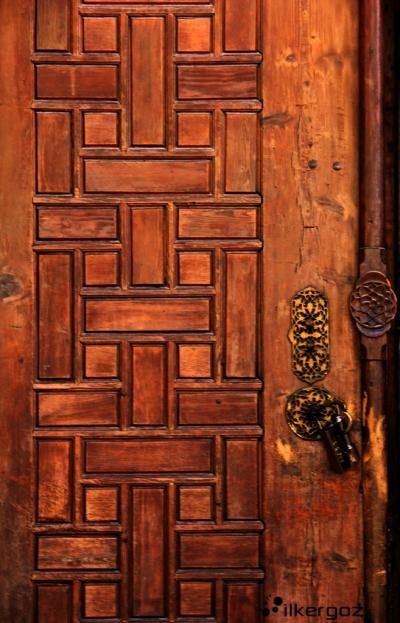 elmalı-cami-kapı