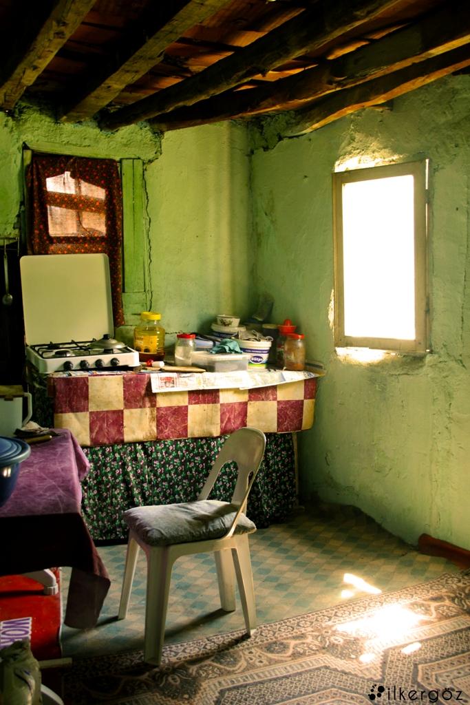 köy evi elmalı, iki oda bir mutfak