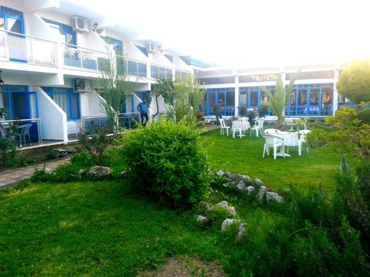 garden butik otel kuşadası bahçe2